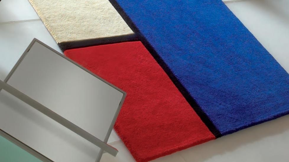Tapis 100 laine rouge et bleu petit prix tapis laine - Tapis de salon en laine ...