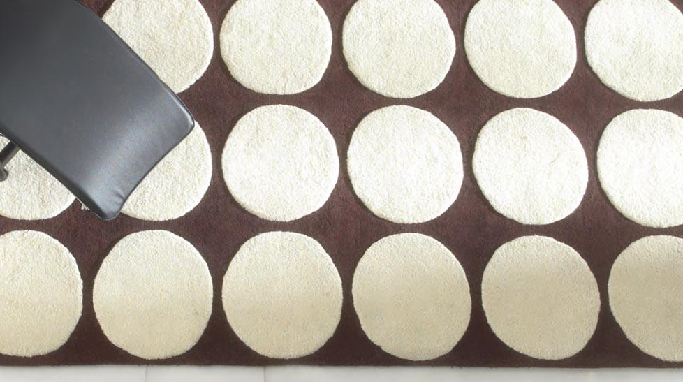 tapis 100 laine marron et beige tapis pas cher. Black Bedroom Furniture Sets. Home Design Ideas