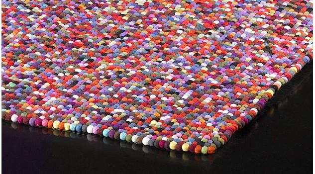 Tapis design boules de laine multicolores - Balls