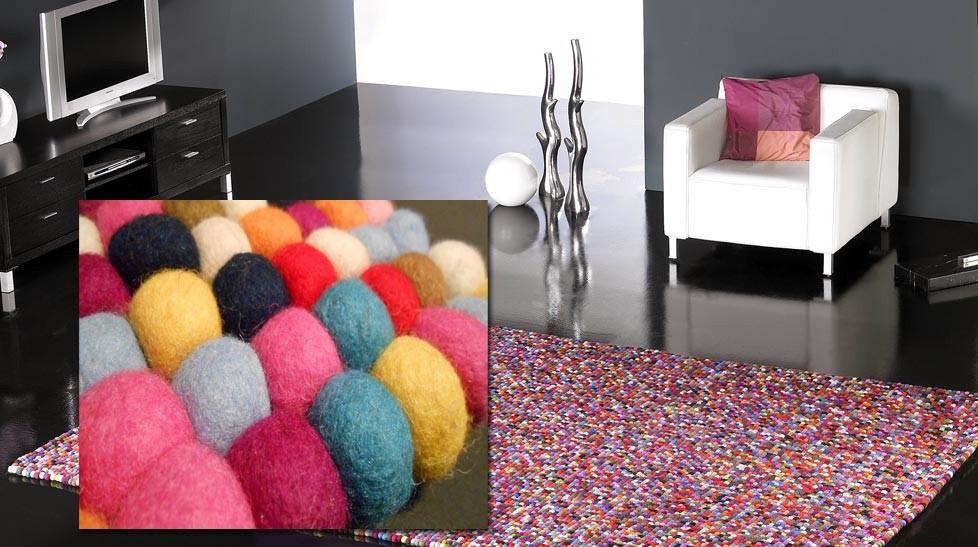 tapis 100 boules de laine multicolores tapis laine haut de gamme. Black Bedroom Furniture Sets. Home Design Ideas