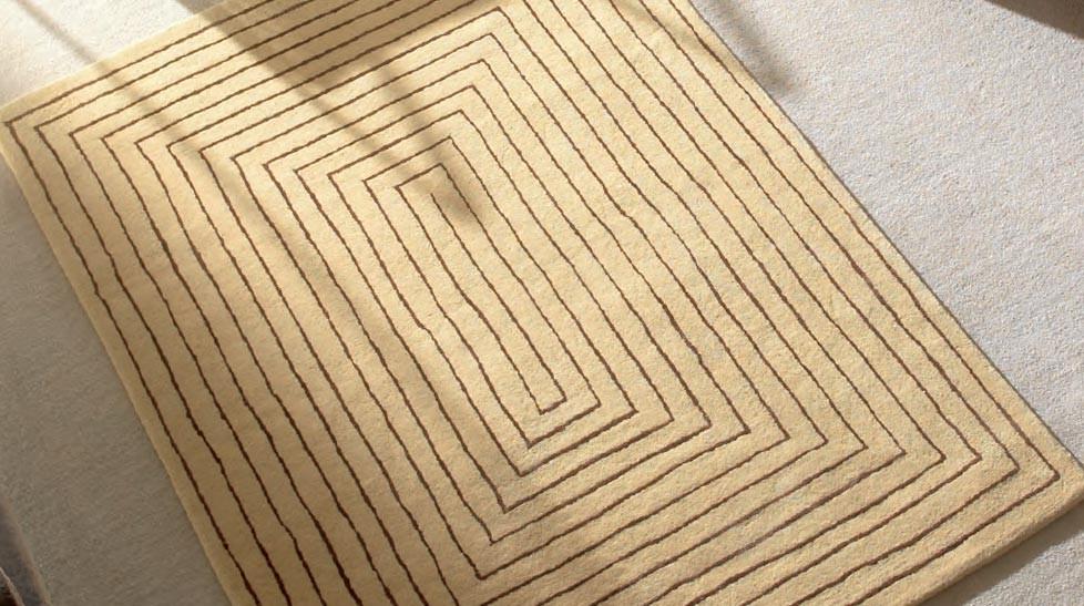 tapis haut de gamme en laine beige tapis 100 laine. Black Bedroom Furniture Sets. Home Design Ideas